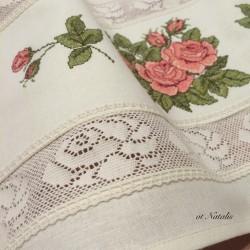 """Кухонное винтажное полотенце с вышивкой """"Бутоны роз - 2"""""""